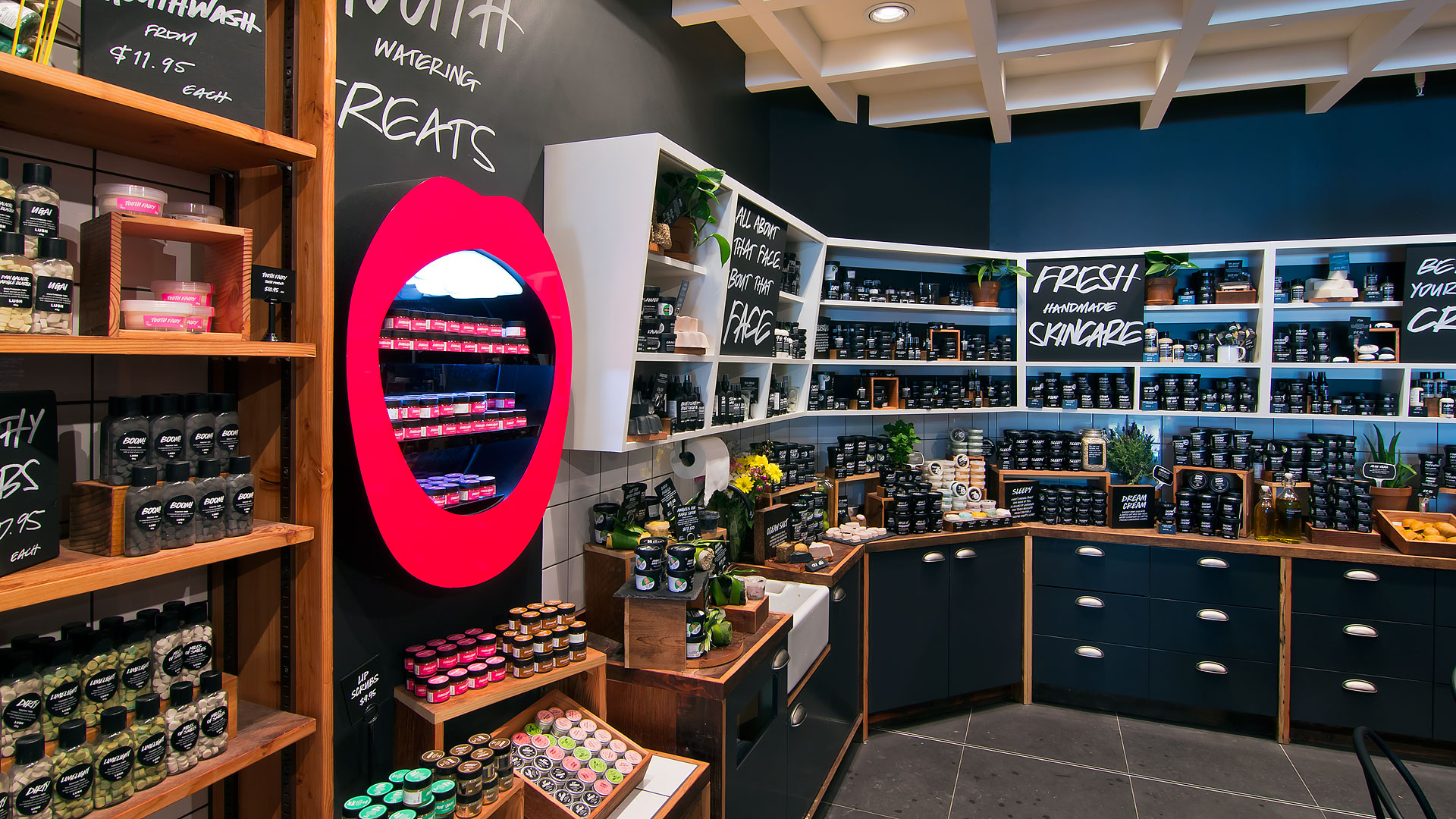 LUSH Cosmetics :: Diverse Shopfitters - Award Winning